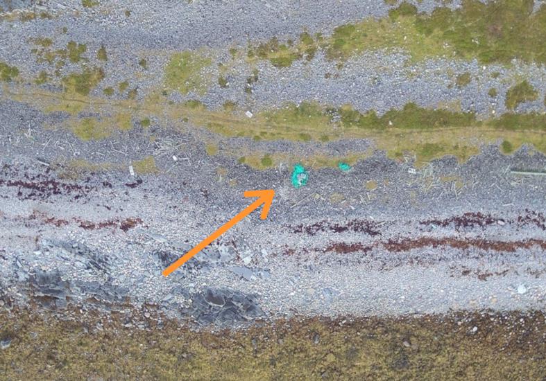 Satellitt og drone mot strandsøppel
